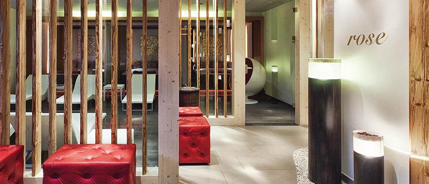 Kempinski Hotel Das Tirol - Jochberg, Kitzbühel, Austria - spa area.jpg